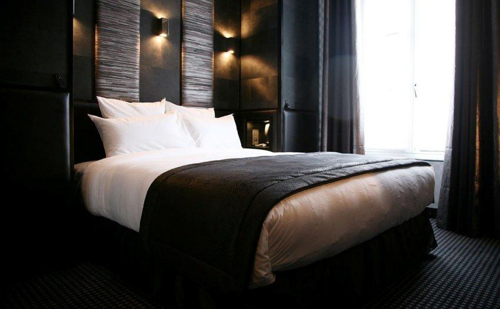 chambre prestige vue tour eiffel hotel l adresse paris paris. Black Bedroom Furniture Sets. Home Design Ideas